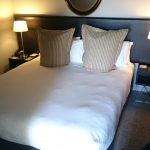 queenstown-doubletree-king-bed